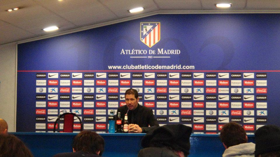 Atleticos Trainer Diego Simeone bei der anschließenden Pressekonferenz